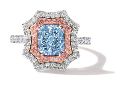 P18 Vanilla Gold® Ring with Light Blue Diamonds 2 cts., Vanilla Diamonds® 1/2 cts., Light Pink Diamonds 1/5 cts. | BEYA 6