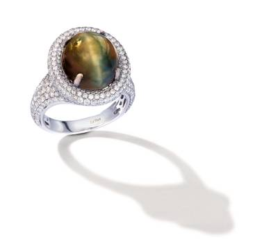 18K Vanilla Gold® Cat's Eye 10 cts. Ring with Vanilla Diamonds® 2  3/8 cts. | CONG 431