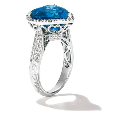 18K Vanilla Gold® Blueberry Sapphire™ 19 1/5 cts. Ring with Vanilla Diamonds® 1/4 cts. | CONG 65