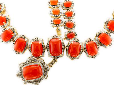 14K Honey Gold™ Carnelian 165.040 cts. Necklace with Chocolate Diamonds® 14 1/5 cts., Vanilla Diamonds® 6 cts. | SUUM 19