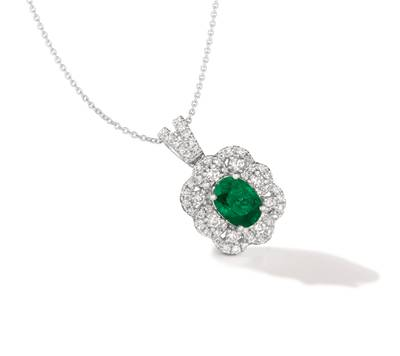 P95 Costa Smeralda Emeralds™ 1 cts. Pendant with Vanilla Diamonds® 3/4 cts. | TRRA 3