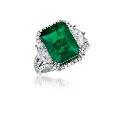 18K Vanilla Gold® Costa Smeralda Emeralds™ 9 cts. Ring with Vanilla Diamonds® 1  1/2 cts., Chocolate Diamonds® 1/5 cts. | VIMK 946
