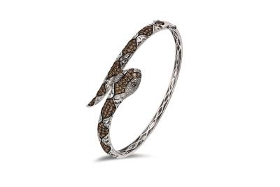 14K Vanilla Gold® Bangle with Chocolate Diamonds® 2 cts., Vanilla Diamonds® 1/3 cts. | YPME 1